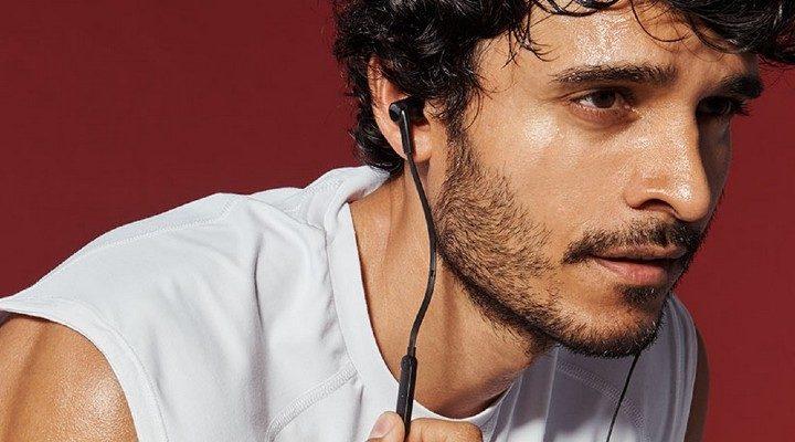 Belkin-Rockstar-Lightning-Headphones-2