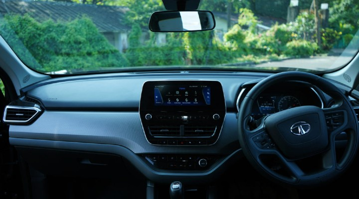 Tata Harrier Black Edition Dashboard Image