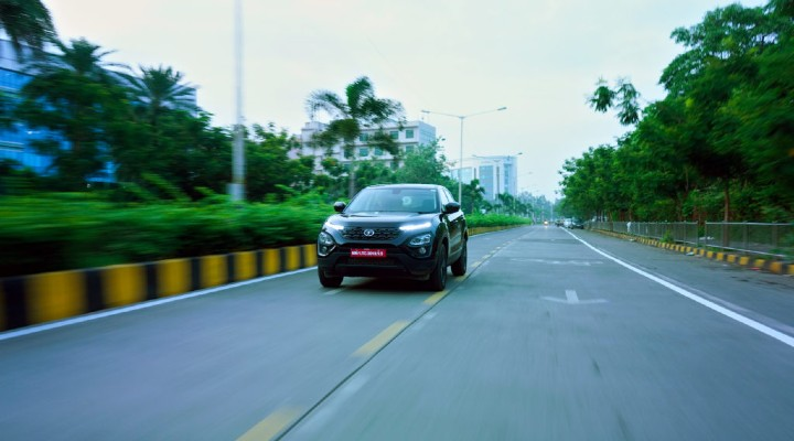 Tata harrier on-road image