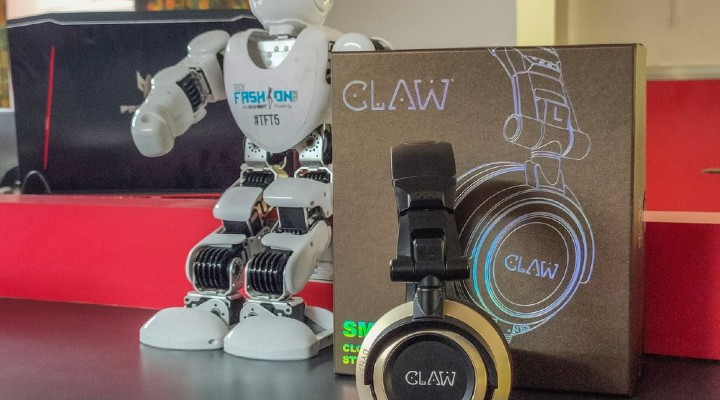 CLAW SM100 Closed Back Monitor Headphones