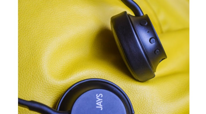 JAYS a-Seven Wireless Headphone closeup