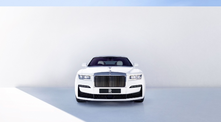 NEW ROLLS-ROYCE GHOST - Exhibit Magazine Online