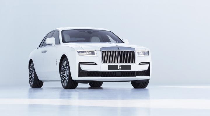 Rolls Royale Ghost - Exhibit Magazine