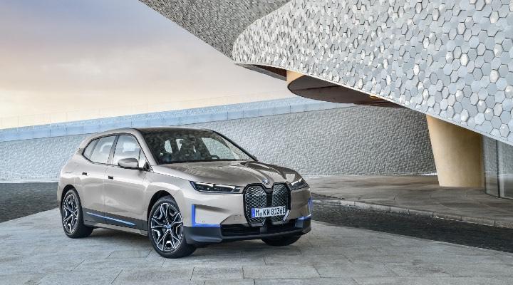 BMW iX Features- Exhibit Magazine online