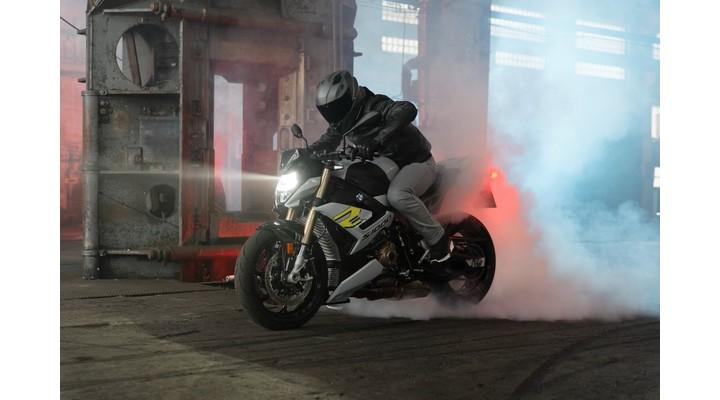 BMW-S-1000-RR-Engine-Exhiibit-Magazine-India