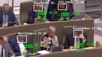Flemish Scrollers Tracks Parliamentarians' Smartphones Usage