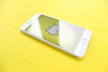 Snapchat App is Expanding: Fastest Way to Share Moments