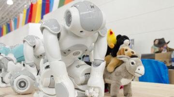Tesla's Humanoid Robot is Coming Next Year